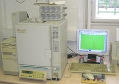 Shimadzu GC 14B típusú gázkromatográf